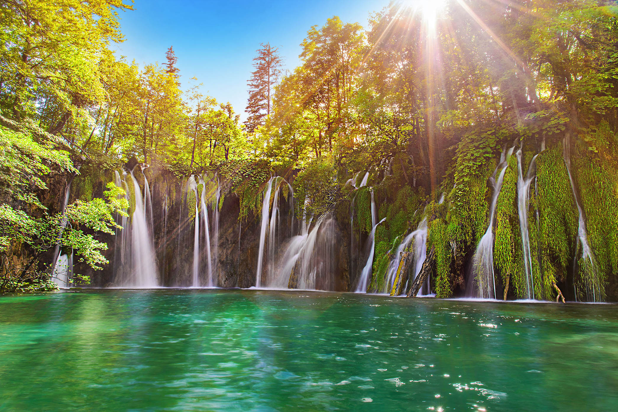 Amazink plitvice lakes tour from Split